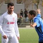 Mario Michels (links, FC Langen), Patrick Stumpf (Viktoria Griesheim)